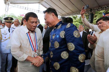 Tong thong Philippines tuyen bo se thuong thuong xuyen tham Trung Quoc - Anh 1