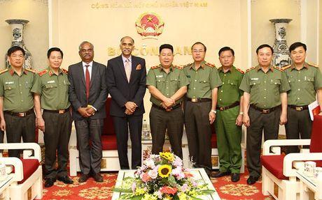 Thu truong Bui Van Thanh tiep Dai su Cong hoa An Do - Anh 2