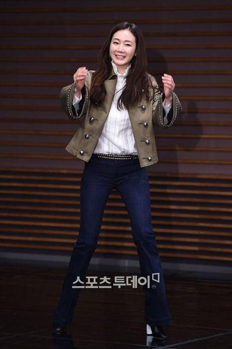 Choi Ji Woo xuong sac tham hai, mat cung do nhu tuong sap - Anh 3