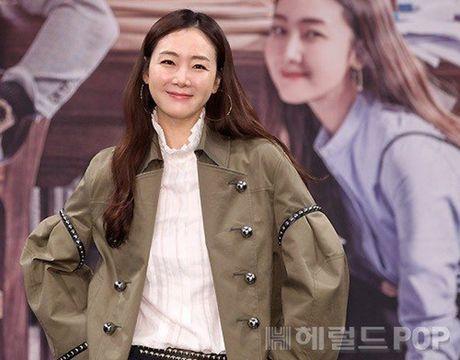 Choi Ji Woo xuong sac tham hai, mat cung do nhu tuong sap - Anh 4