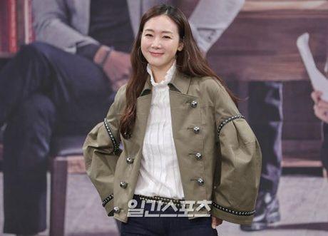 Choi Ji Woo xuong sac tham hai, mat cung do nhu tuong sap - Anh 5