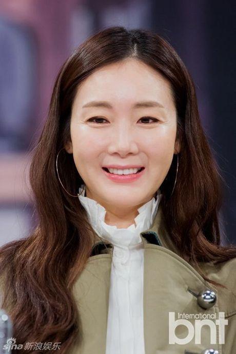 Choi Ji Woo xuong sac tham hai, mat cung do nhu tuong sap - Anh 7