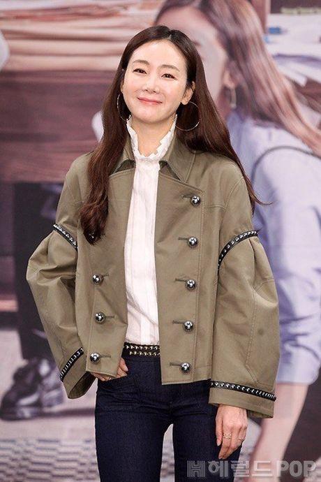 Choi Ji Woo xuong sac tham hai, mat cung do nhu tuong sap - Anh 9