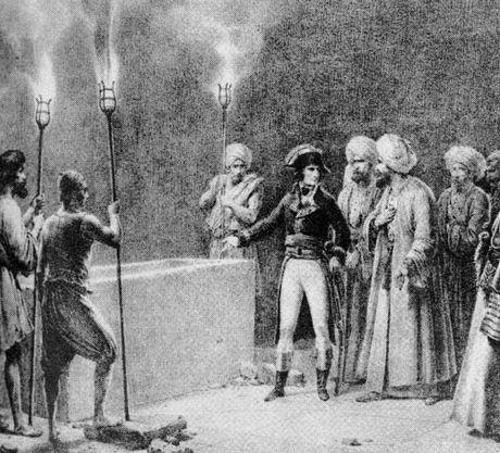 Bi mat dem kinh hoang cua Napoleon trong kim tu thap Ai Cap - Anh 3