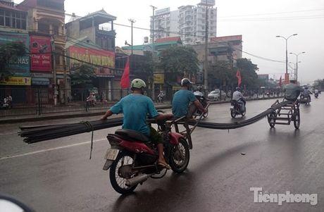 Nhung hiem nguy rinh rap tre nho tren duong pho Viet Nam - Anh 6