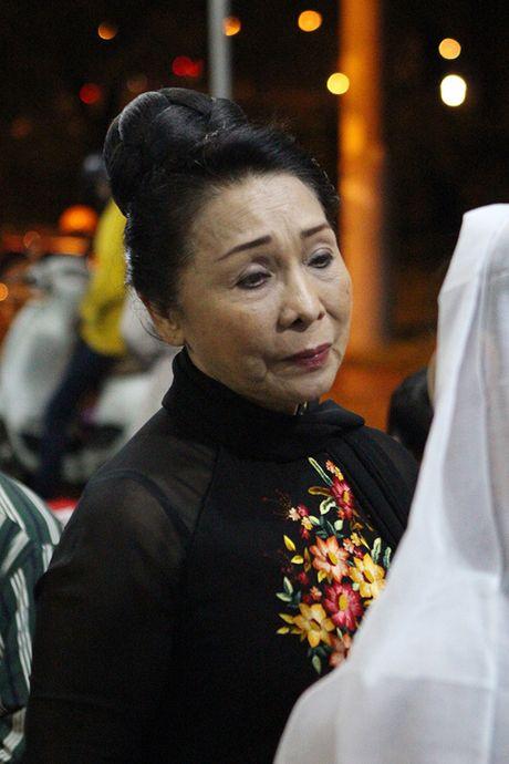 Hinh anh dong nghiep, nguoi ham mo tien dua nghe si Thanh Tong - Anh 2