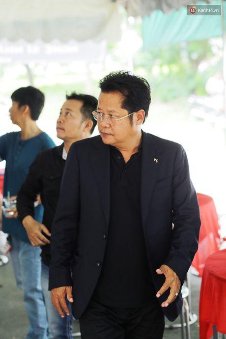 Hinh anh dong nghiep, nguoi ham mo tien dua nghe si Thanh Tong - Anh 6