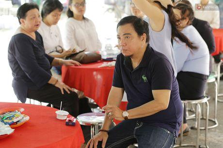 Hinh anh dong nghiep, nguoi ham mo tien dua nghe si Thanh Tong - Anh 7