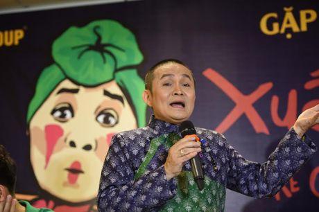 NSUT Xuan Hinh: Ra duong, ai vay cung vao! - Anh 2