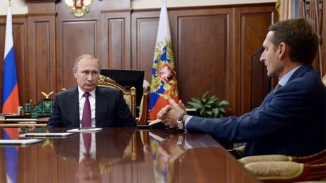 Tong thong Nga Putin bat ngo thay giam doc Cuc tinh bao doi ngoai - Anh 1