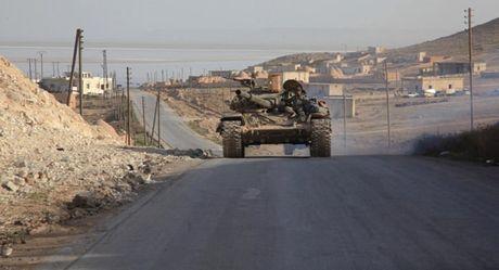 Quan Syria thong duong tinh Homs sau 1 gio bi nhom Hoi giao cuc doan cat dut - Anh 1