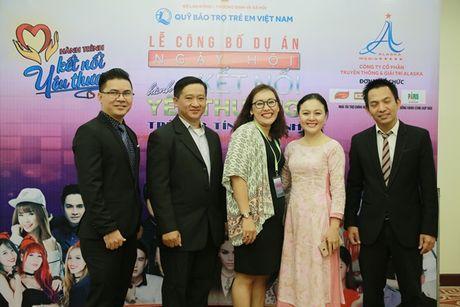 Son Tung, Minh Hang cung dan sao khung hoi ngo trong dem nhac vi tre em - Anh 9