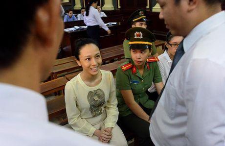 Truoc vanh mong ngua, Phuong Nga va My Xuan van no nu cuoi day an y - Anh 3