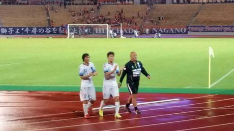 Tuan Anh ghi ban, Yokohama FC loi nguoc dong thanh cong - Anh 2