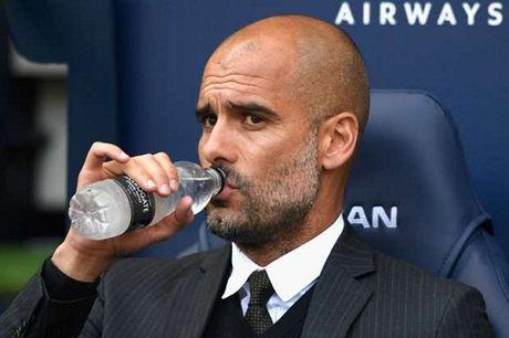 "Nguoi Man City tiet lo HLV Guardiola dang ""kho o"" - Anh 2"