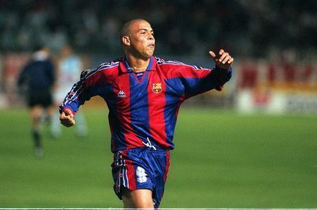 "Barca tung phai dung chieu de mua ""Nguoi ngoai hanh tinh"" Ronaldo - Anh 1"