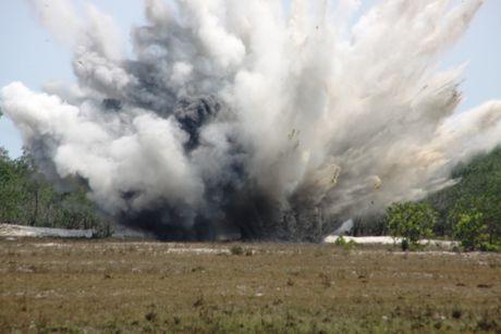 Quang Tri con 390.000 ha dat bi 'o nhiem' bom min - Anh 1