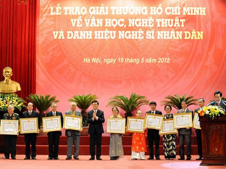 Thong tin ve Le trao tang Giai thuong Ho Chi Minh, Giai thuong Nha nuoc ve VHNT - Anh 1
