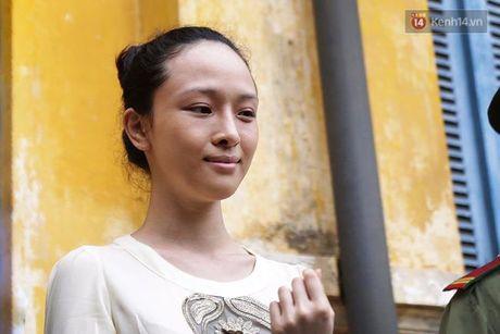 Nu cuoi bi hiem cua Phuong Nga tai toa va loi khai 'chan dong' o phut 89 - Anh 5