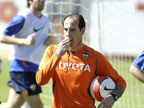 Valencia thay tuong doi van - Anh 1