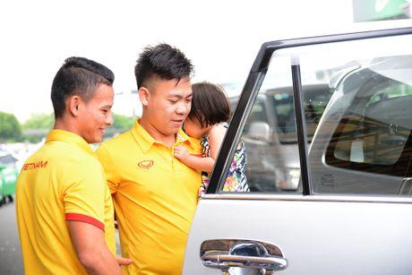 Xe sang don bau Tu tro ve cung tuyen futsal Viet Nam - Anh 8