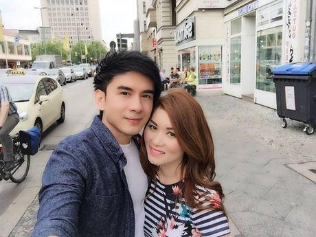 Vo Dan Truong mang bau 4 thang - Anh 1