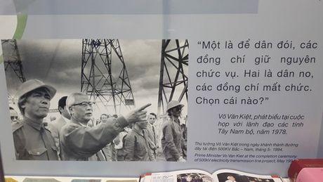 Nhung hinh anh khong the nao quen thoi ky doi moi - Anh 5