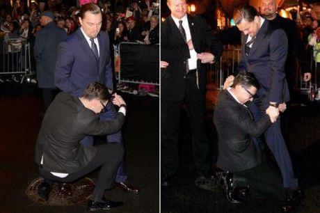 Gigi Hadid bi ke tung gay han Brad Pitt, Kim Kardashian 'quay roi' giua pho - Anh 4