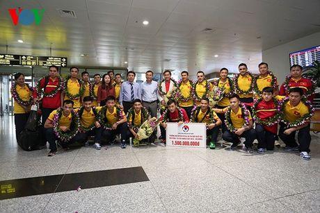 Futsal Viet Nam nhan ngay 1,5 ti dong sau khi tro ve tu World Cup - Anh 10