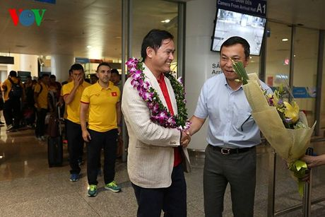 Futsal Viet Nam nhan ngay 1,5 ti dong sau khi tro ve tu World Cup - Anh 9