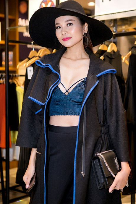Mai Ngo nhin Thanh Hang ma hoc cach mac khoe noi y - Anh 2