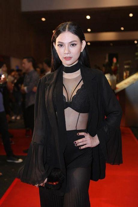 Mai Ngo nhin Thanh Hang ma hoc cach mac khoe noi y - Anh 7