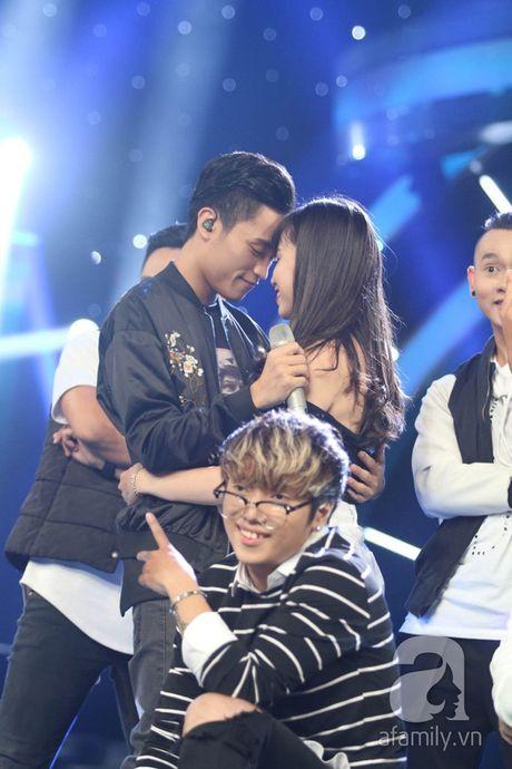 """Co dau Philippines"" gay ngo ngang va than phuc trong Chung ket Vietnam Idol - Anh 10"