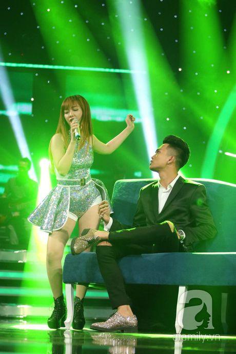 """Co dau Philippines"" gay ngo ngang va than phuc trong Chung ket Vietnam Idol - Anh 13"