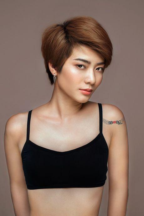 Ai se co cu loi nguoc dong quay lai chung ket Vietnam's Next Top Model 2016? - Anh 2