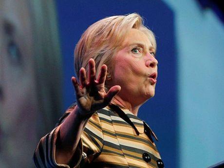 Bà Clinton bất ngờ giành được sự ủng hộ '150 năm có 1'