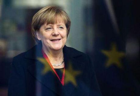 Ba Merkel kien quyet chinh sach nhap cu bat chap thu thach - Anh 2