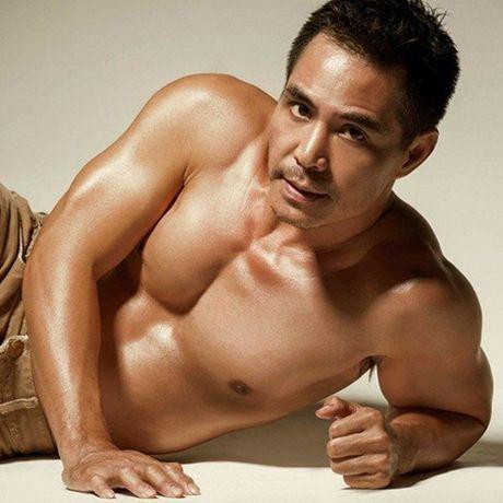 Choang vi body nhu luc si cua Ung Hoang Phuc va loat sao nam Viet - Anh 5