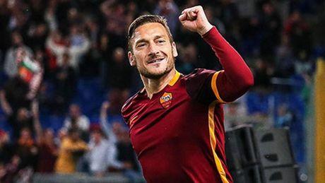 01h45 ngay 03/10, AS Roma vs Inter Milan: Quyet chien cho top 3 - Anh 2