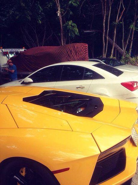 Lamborghini Aventador SV cua Minh 'Nhua' lan dau xuong pho - Anh 2