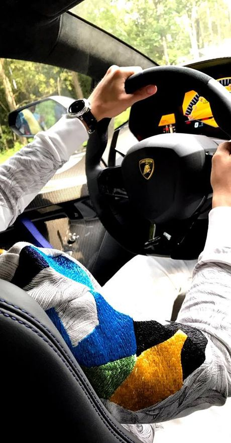Lamborghini Aventador SV cua Minh 'Nhua' lan dau xuong pho - Anh 5
