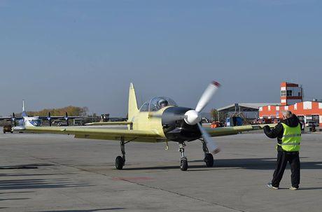 Muc kich chuyen bay dau tien cua may bay Yak-152 Nga - Anh 3