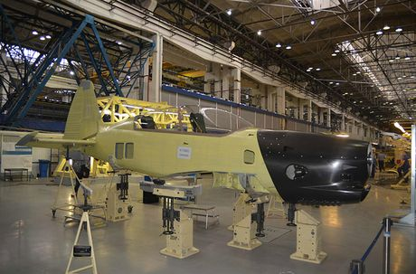 Muc kich chuyen bay dau tien cua may bay Yak-152 Nga - Anh 7