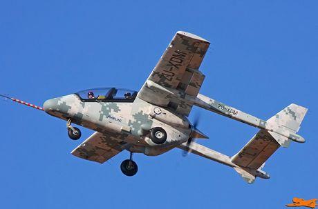 Suc manh kho tuong tuong may bay AHRLAC Nam Phi - Anh 3