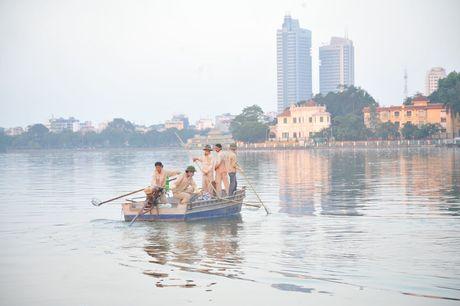 Ha Noi: Canh bao nguoi dan khong duoc vot ca chet o Ho Tay lam thuc pham - Anh 2