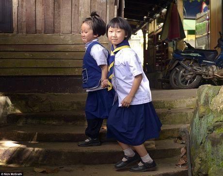 Su that sau buc anh hai co be Thai trom dong ho du khach Tay - Anh 5
