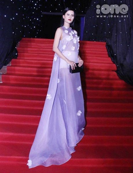 Dan sao long lay tren tham do chung ket Vietnam's Next Top Model 2016 - Anh 3