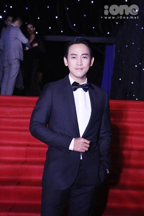 Dan sao long lay tren tham do chung ket Vietnam's Next Top Model 2016 - Anh 8