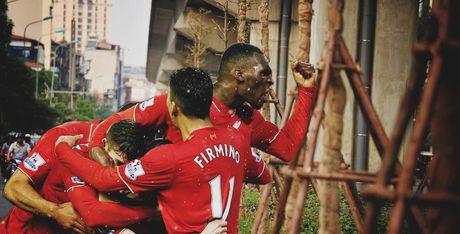 Trong cay duoi gam cau va chuyen song duoi gam cua Liverpool - Anh 1