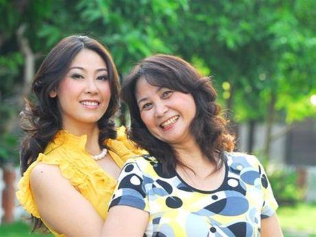 Chan dung nguoi me tung an com chan nuoc la cua HH Ha Kieu Anh - Anh 2
